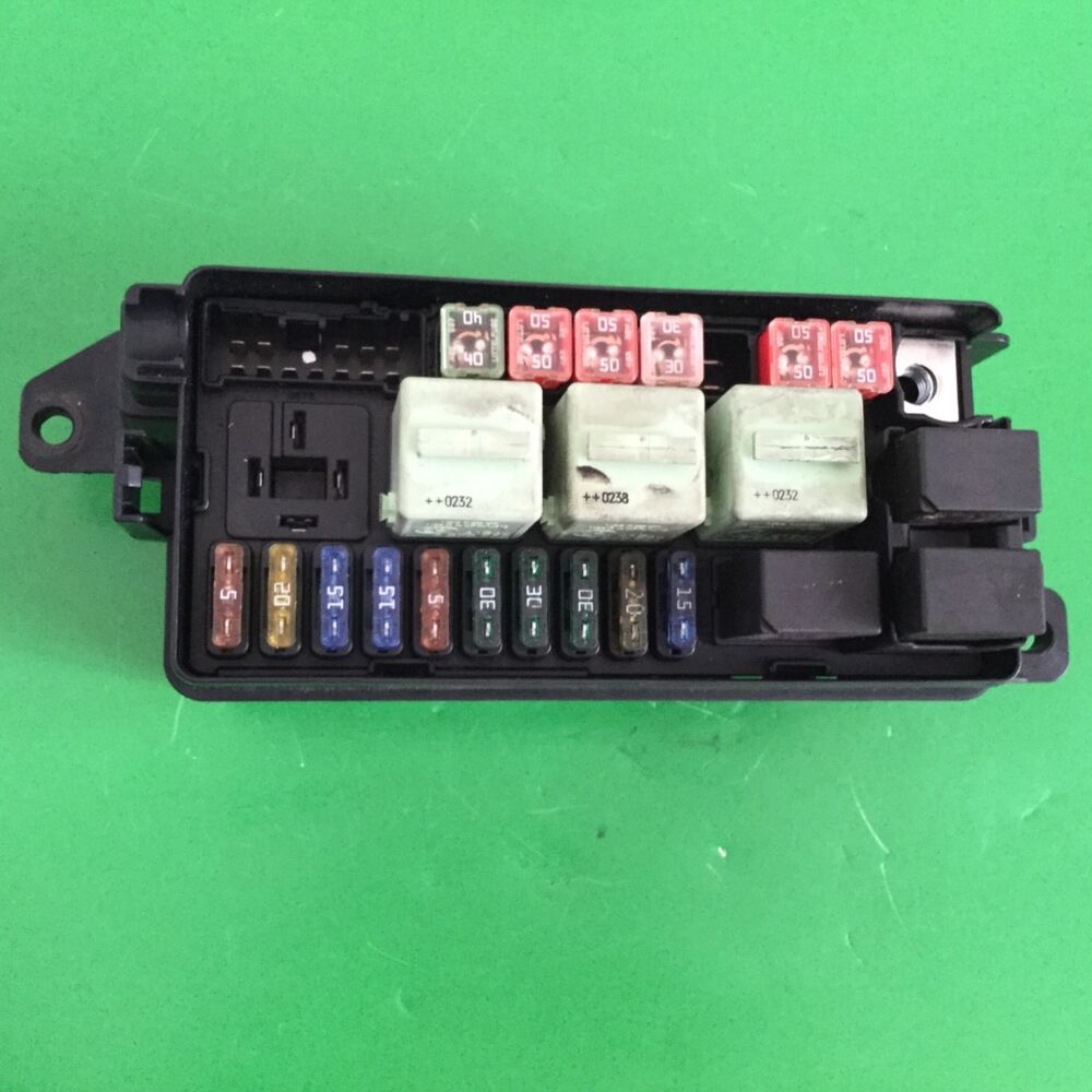 hight resolution of details about 2001 2006 bmw mini under bonnet relay fuse box 1480790 09