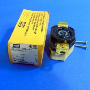 HUBBELL 277VAC 30A 2POLE 3 WIRE TWIST LOCK RECEPTACLE *NEW