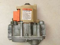 Honeywell VR8204A2050 HVAC Furnace Gas Valve HQ1004606HW ...