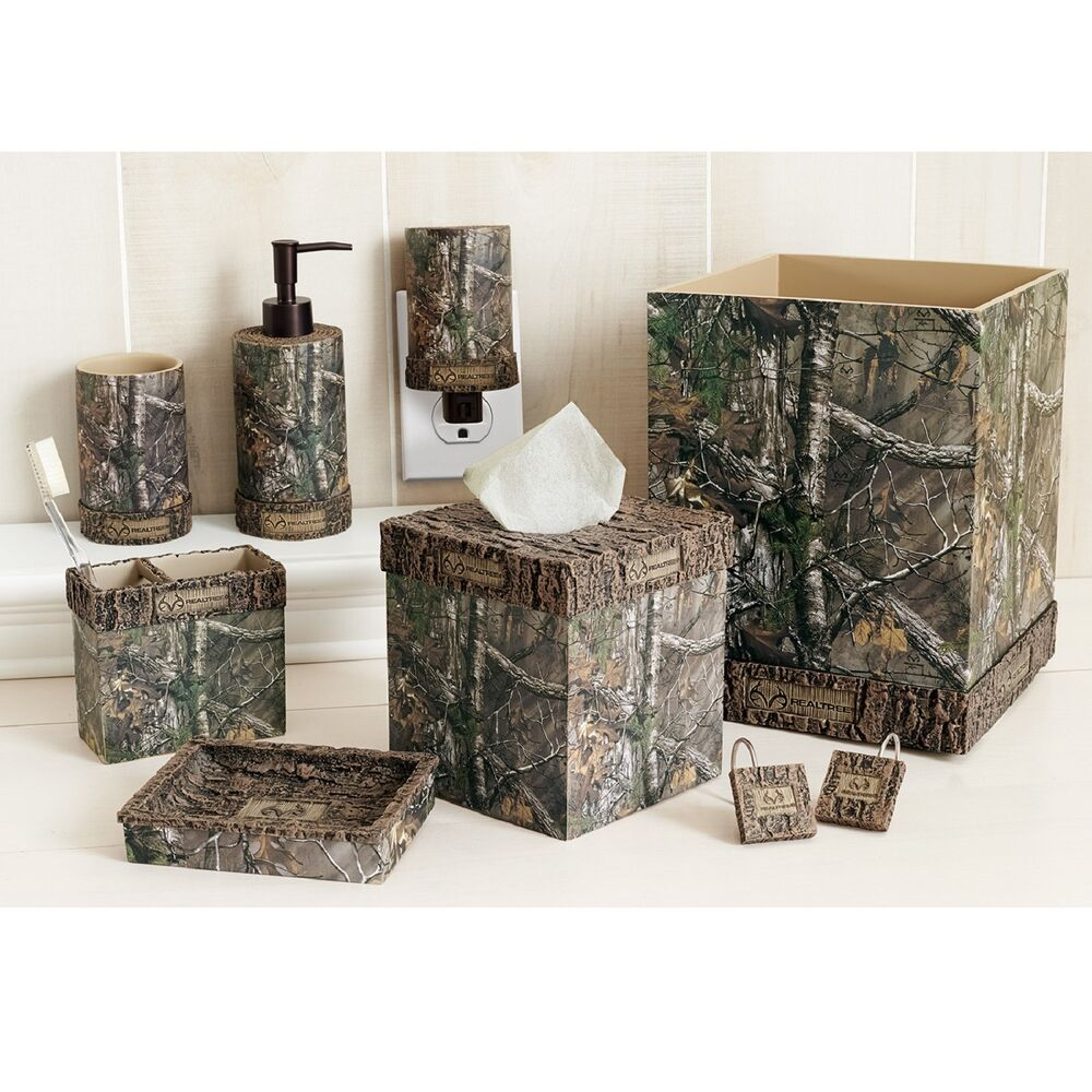 Realtree Xtra 8 piece Bathroom Accessories Set Licensed