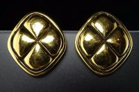 Authentic Chanel Clip-On Gold-Tone Matelasse Earrings ...