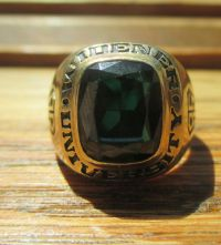 Vintage 10K Gold 1985 Widener University College RIng