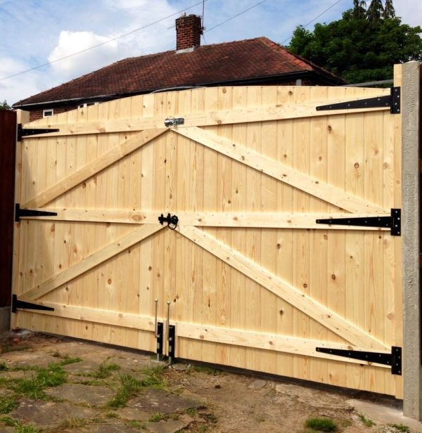 Wooden Driveway Gates 5ft 6