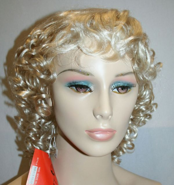 Bargain Dolly Parton Blonde Adult Costume Wig