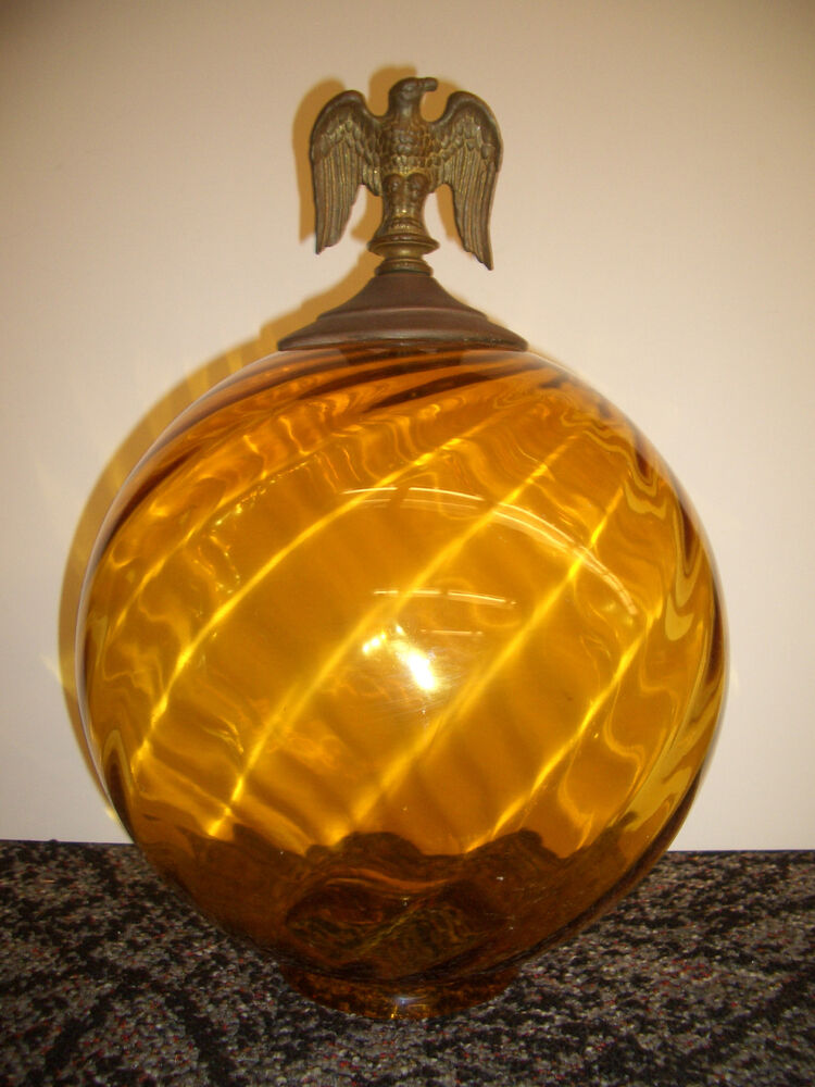 LARGE VINTAGE AMBER SWIRL GLASS GLOBE LAMP SHADE AND BRASS