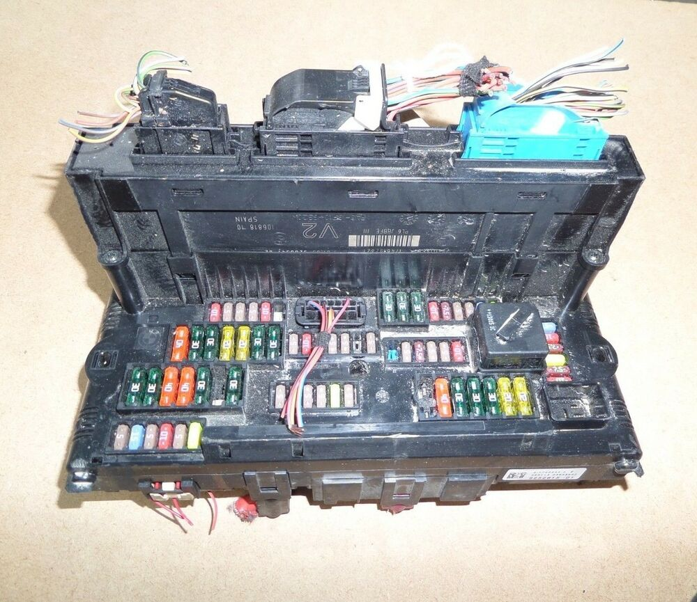 hight resolution of details about bmw 5 series f10 fuse box and cover 9252815 01 2014 model free p p