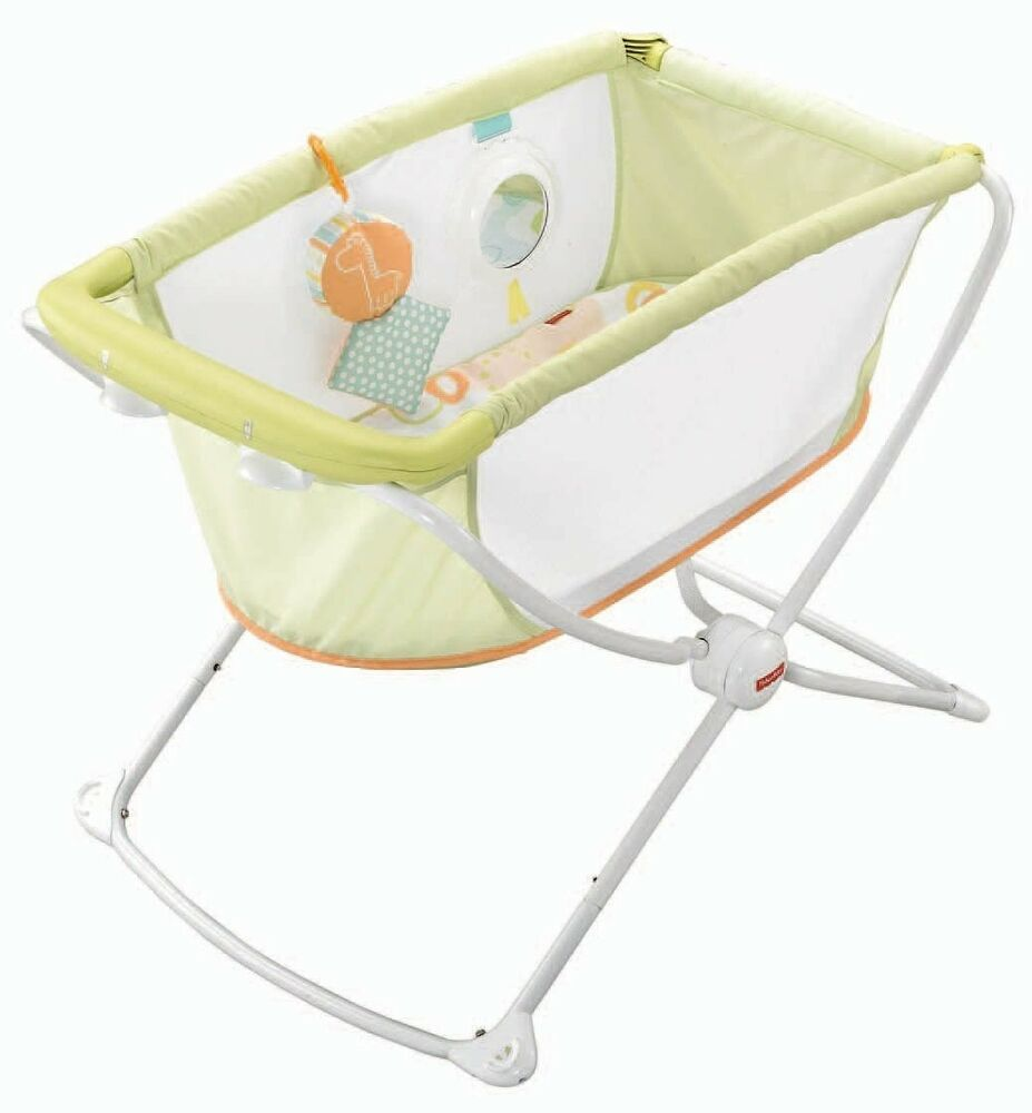 NEW FisherPrice Rock 39n Play Portable Bassinet with