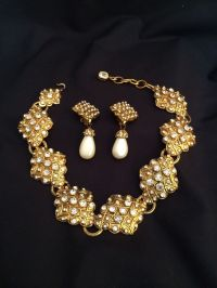 CHANEL Vintage Gold-tone Gripoix Necklace and Pearl drop ...