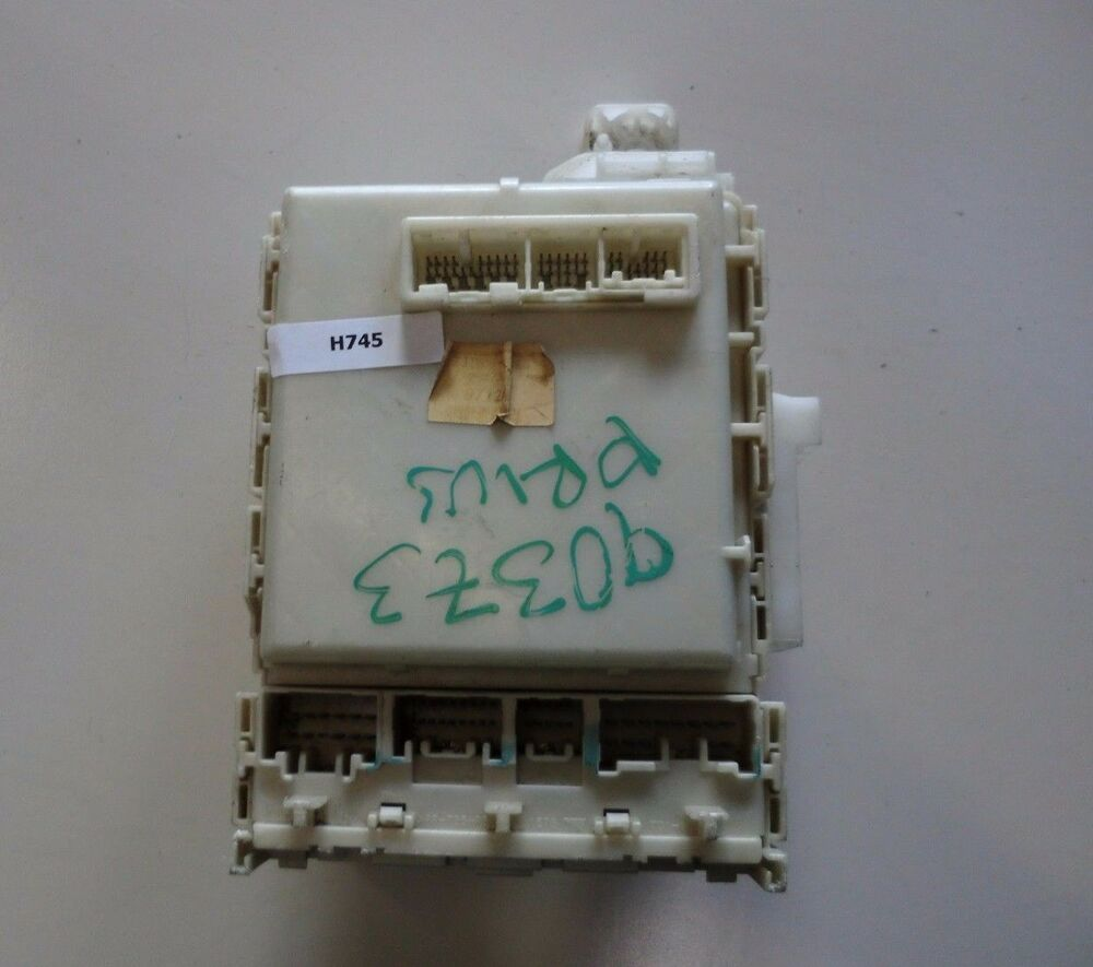 hight resolution of details about 82730 47300 06 07 toyota prius oem under dash fuse relay box