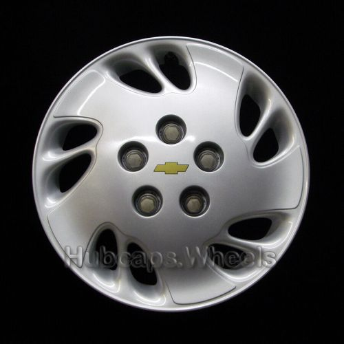 small resolution of details about chevy venture 1997 2005 hubcap genuine factory original oem 3225a wheel cover