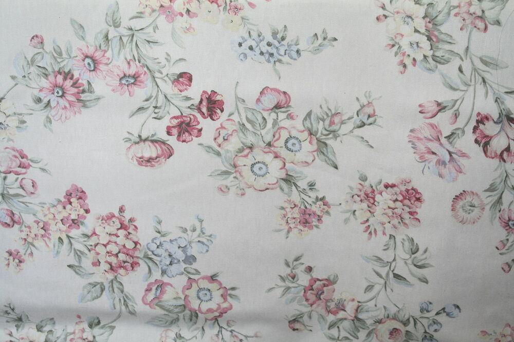 Shabby Chic Style Floral Bouquet Decorator Fabric Drapery