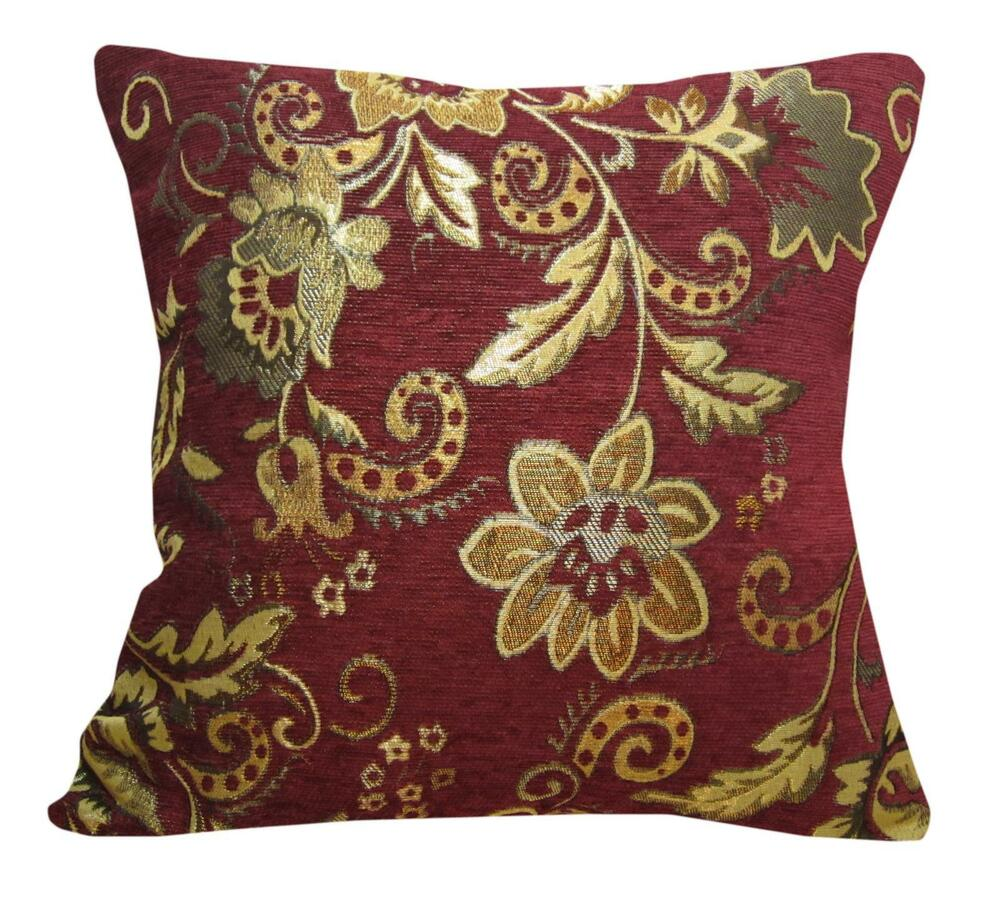 Wd33Ca Gold on Red Damask Chenille Daisy Throw Cushion