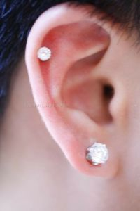 1 PAIR CZ ROUND CLEAR OR BLACK MAGNETIC EARRINGS STUDS EAR ...