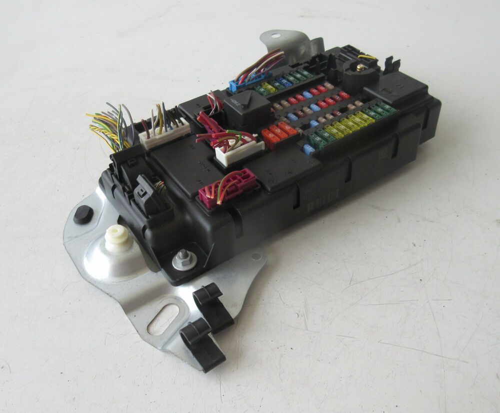 medium resolution of details about genuine used mini fuse box for r60 countryman 9803979