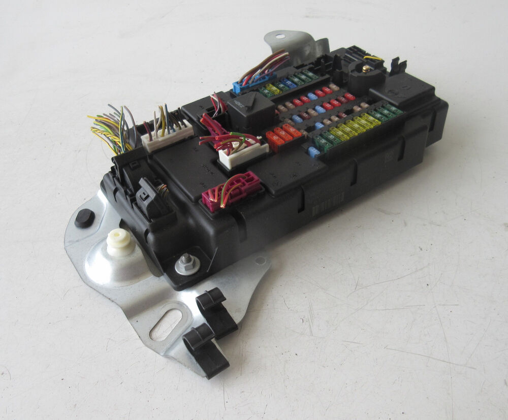 hight resolution of details about genuine used mini fuse box for r60 countryman 9803979