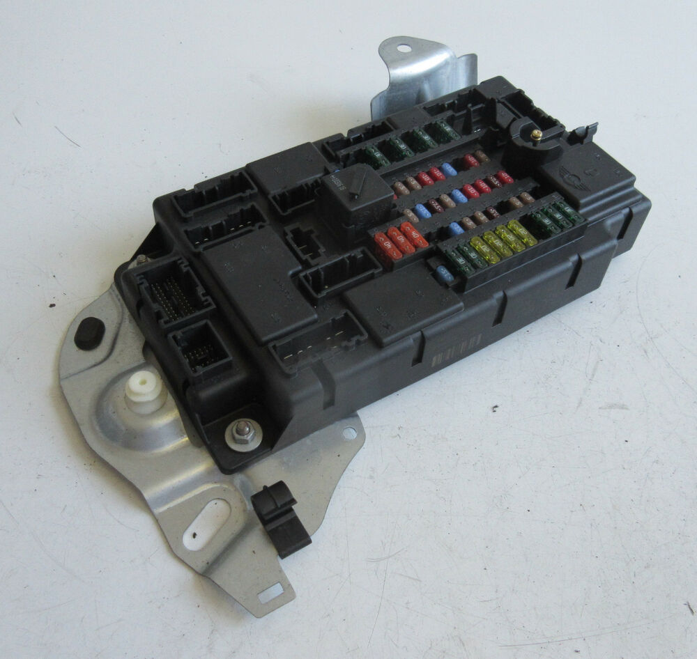 medium resolution of details about genuine used mini fuse box for r55 r56 r57 lci others 3453739
