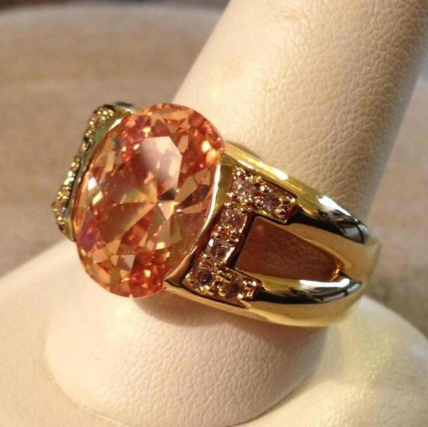 Gorgeous Champagne Color In Concert Ring Elvis Tcb