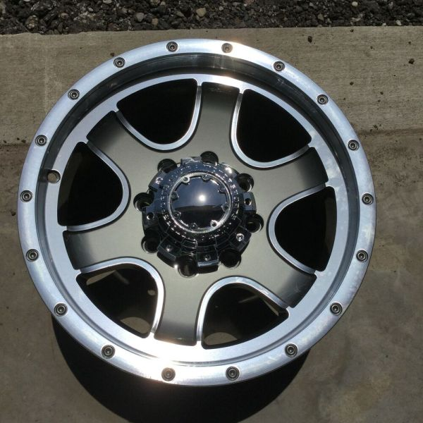 Ultra Wheels 8 Lug Nomad Gray Diamond Cut Wheel