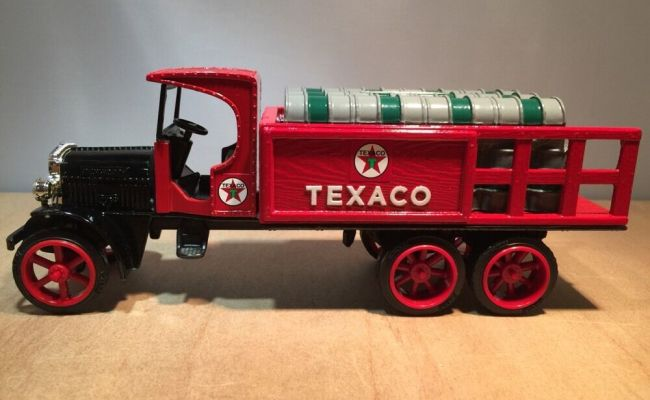 1925 Kenworth 9 Texaco Stake Delivery Truck Diecast