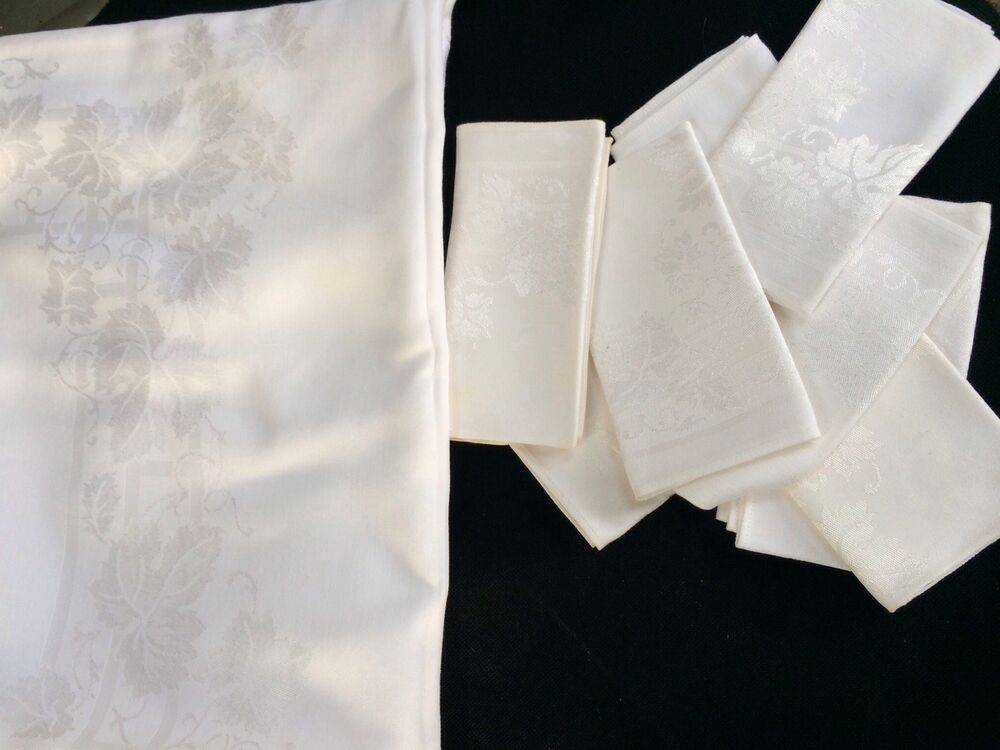 BEAUTIFUL VINTAGE WHITE DAMASK FORMAL TABLECLOTH Amp 8