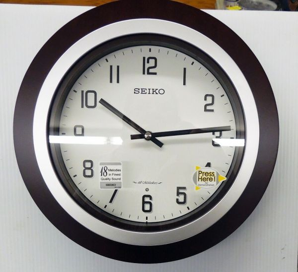 "Seiko ""easton"" Musical Wall Clock With 18 -fi"