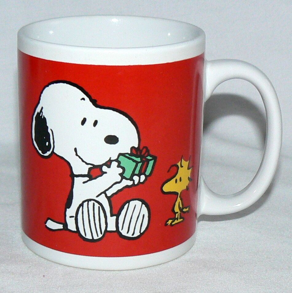 PEANUTS 8 OZ SNOOPY WOODSTOCK PRESENT TIME HOLIDAY