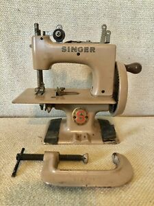 Singer Sewing Machine Models And Prices : singer, sewing, machine, models, prices, Miniature, Singer, Sewing, Machine, Collectible, Machines