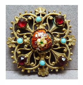 bijoux objet de vitrine decoratif du