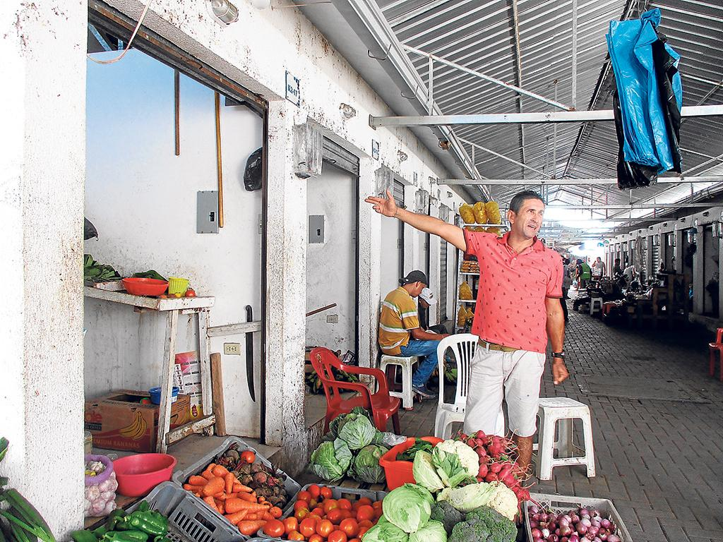 Comerciantes Se Quejan Por Deuda Con El Cnel Sin Tener Un