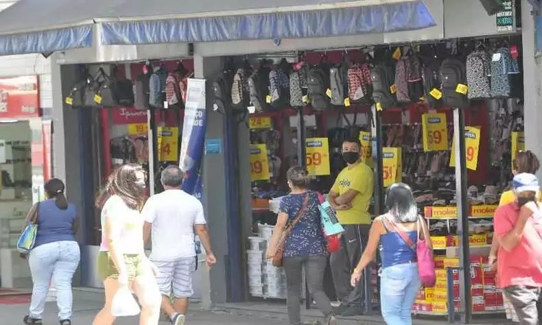 Street stores, supermarkets and malls are