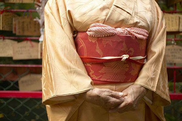 「腰椎滑脫癥」好發生於50歲以上女性 | 大紀元