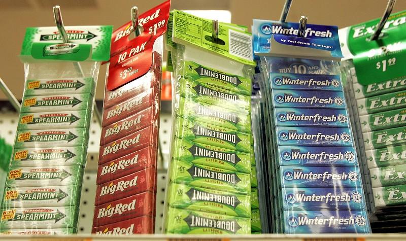 消除口臭的新利器:中藥厚樸 | 口腔衛生 | 口香糖 | 大紀元