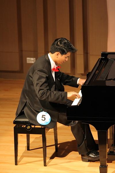 華人鋼琴亞太初賽登場 臺朝野立委祝賀 | 鋼琴大賽 | 大紀元