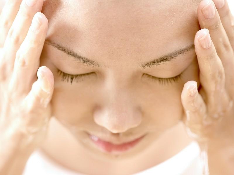 你會洗臉嗎?醫師教你正確方法 | 大紀元