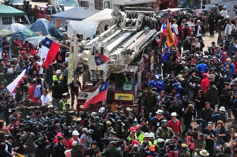 智利礦工奇蹟重見天日 33人已全部獲救   礦難   大紀元