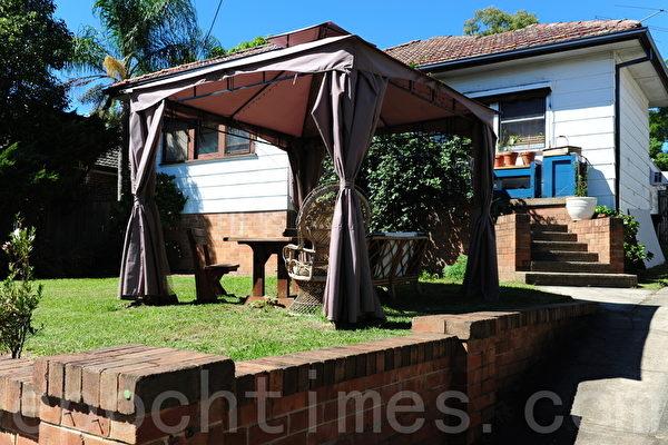 backyard kitchen designs hutch for 澳洲家居后院的室外生活新趋向 房产 大纪元