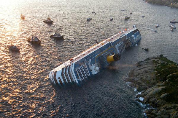意大利逾四千人豪華郵輪觸礁 3死69失蹤 | 沉船 | 大紀元