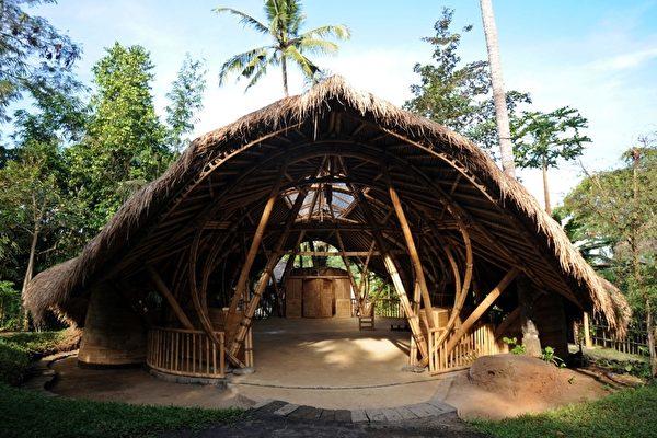 組圖:巴厘島竹材特色建築 綠校   學校   綠建築   大紀元