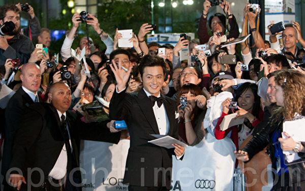 張東健《危險關係》 受影迷熱捧 | 大紀元