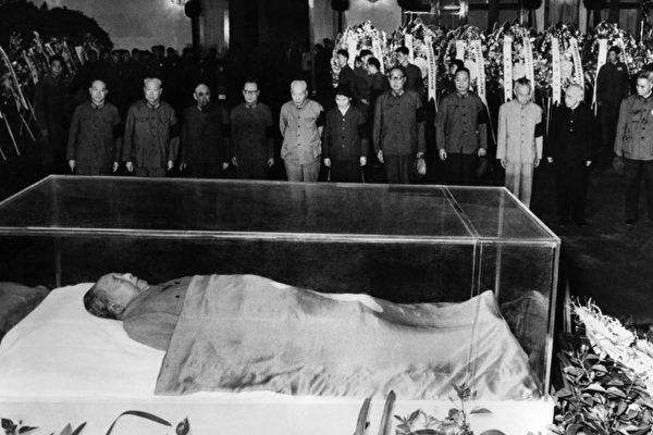 毛澤東水晶棺可抗強震 民稱其躺天安門示眾   委內瑞拉   查韋斯   大紀元