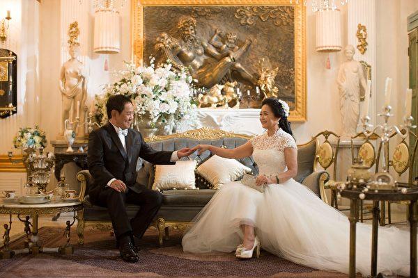 組圖:馬如龍結婚35周年 攜妻拍婚紗 | 婚紗照 | 大紀元