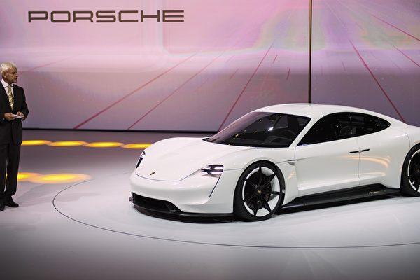 特斯拉的對手 保時捷發布全新概念電動車 | 大紀元