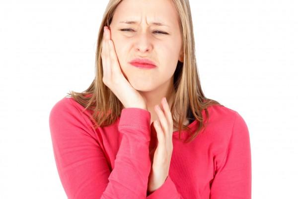 半夜牙痛 如何止痛? | 大紀元