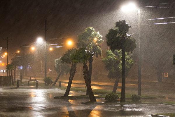 納特颶風二次登陸美國 多州進入緊急狀態 | 龍捲風 | 大紀元
