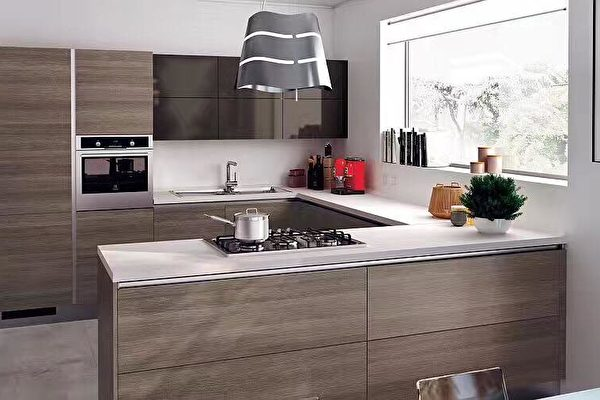 kitchen island with stove black cabinet knobs 开放式厨房潜藏危机 房屋装修 建筑装修 厨房翻修 大纪元