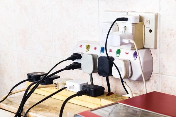 不容忽視的五個家庭安全隱患   英國   電器安全   火災   大紀元