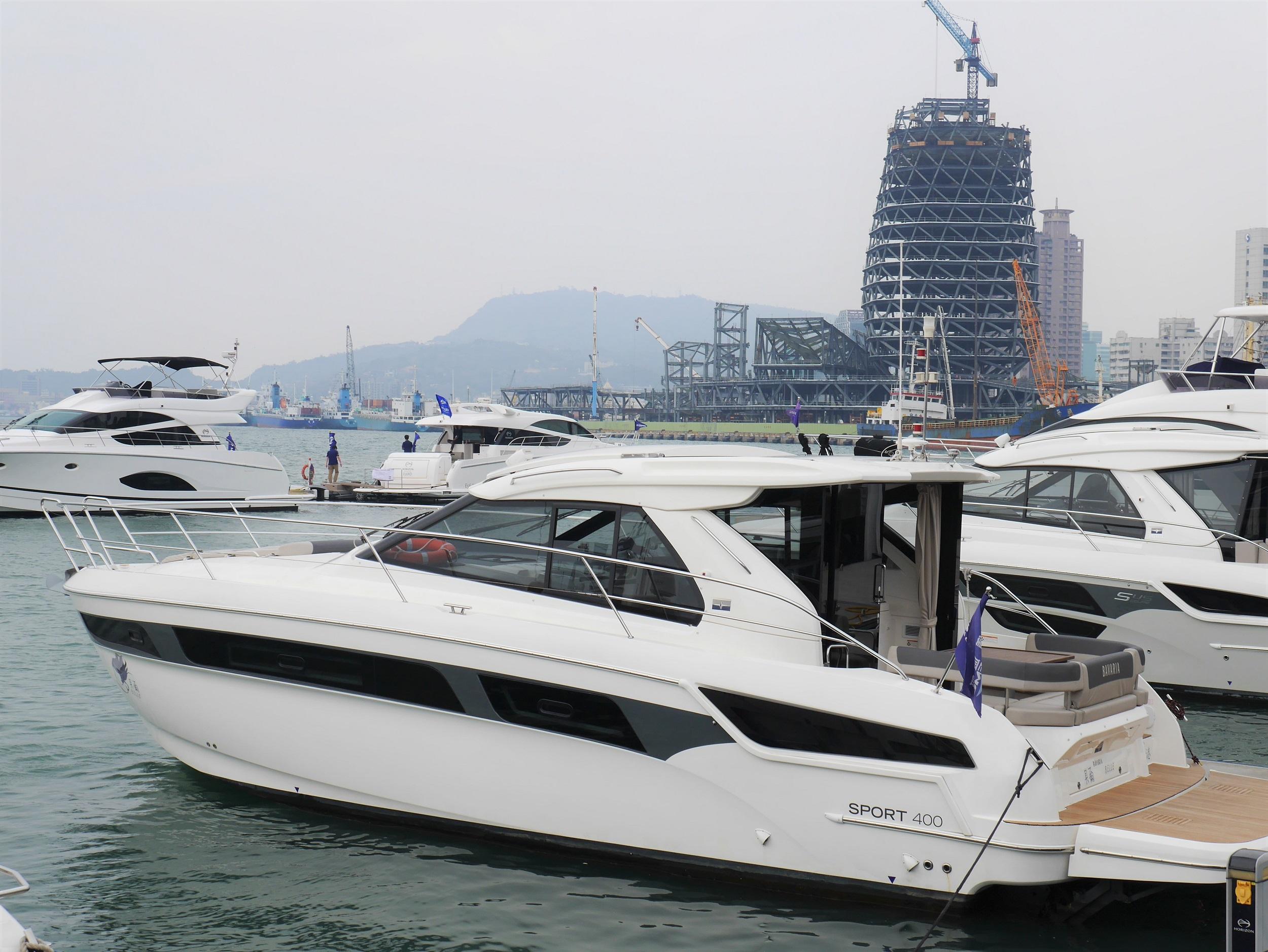 亞洲最大國際遊艇展登場 65艘頂級遊艇開航 - 高雄展覽館