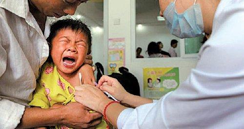 大陸家長湧港打疫苗 香港醫生憂坐地起價 | 假疫苗 | 大紀元