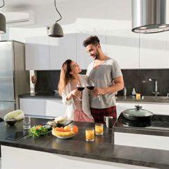 Designing Kitchens Inexpensive Kitchen Rugs 厨房装修与温馨浪漫的家 上 厨房设计 厨房格局 厨房储藏空间 大纪元 专业设计的厨房 实用美观兼备