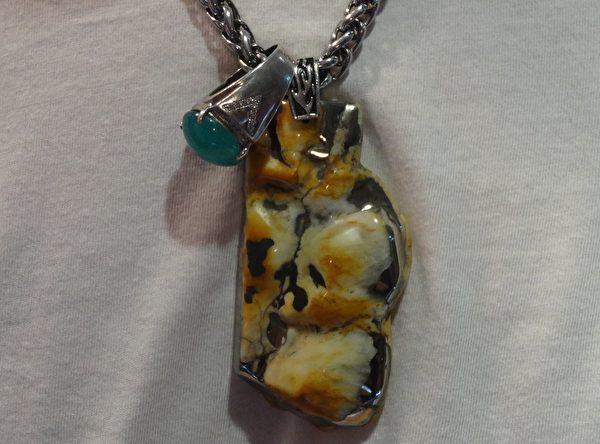 傳說中的「雷公淚」 龍紋石博物館藏珍寶
